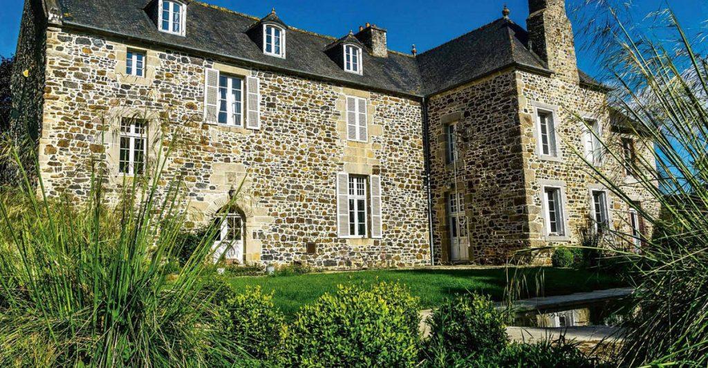 Maisons à vivre campagne - mai 2018 - une maison d'hôtes en Bretagne #magazine #magazinedeco #maisonsavivrecampagne #revuedepresse