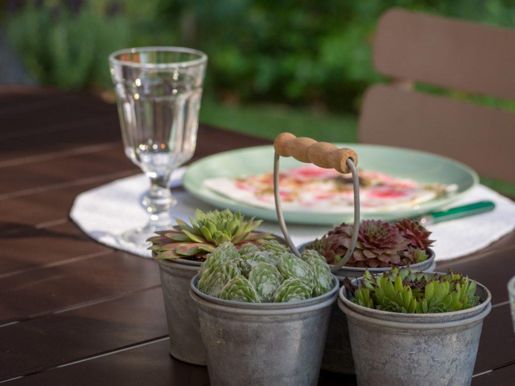 Un Jour de Neige - des petits sedums en centre de table #decodetable #ete #sedum