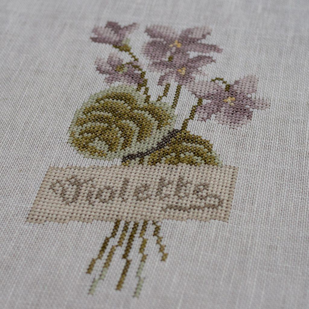 Un Jour de Neige - Violettes - Modèle Le Lin d'Isabelle