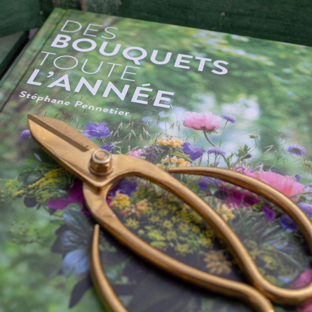 """Un Jour de Neige - Le livre """"Des bouquets toute l'année"""" de S. Pennetier"""